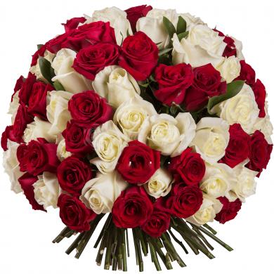 Микс из 101 красной и белой розы